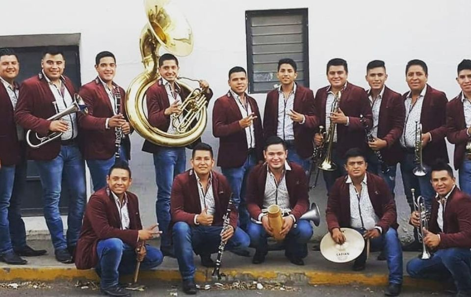 Integrante de Banda Lirio sufrió accidente de trabajo al enterarse de nominación al Latin Grammy