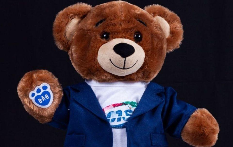 La Banda MS trae de vuelta su famoso oso de peluche
