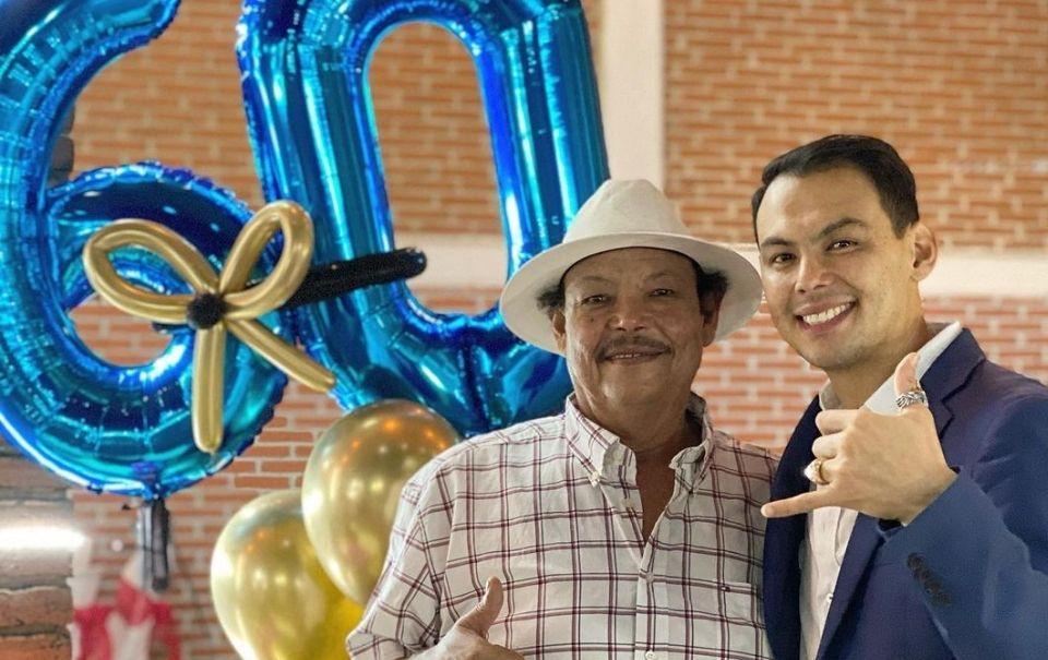 El Yaki festeja el cumpleaños 60 de su papá